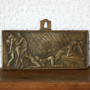 ronze bas-relief érotique