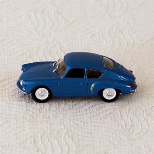 Alpine A 106 Norev. Automobile miniature à l'échelle 1/43 en excellent état, neuve dans sa boîte. Objet de collection.